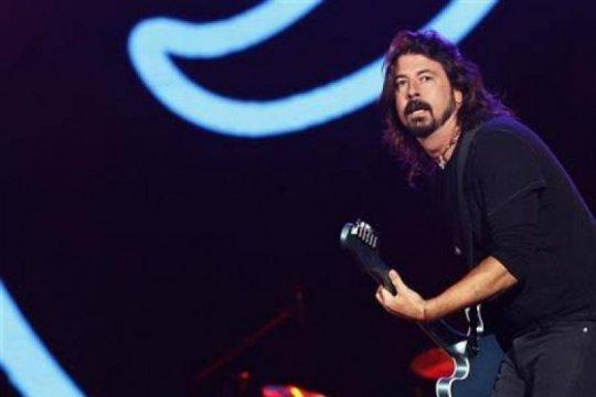 Foo Fighters dedikasikan penampilan inagurasi Biden-Harris untuk guru
