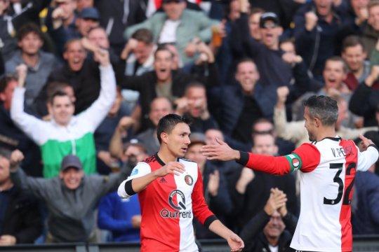Van Persie satu gol dan kartu merah untuk kemenangan Feyenoord
