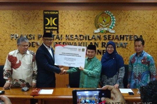 Fraksi PKS menyumbangkan gaji untuk korban gempa-tsunami Sulteng