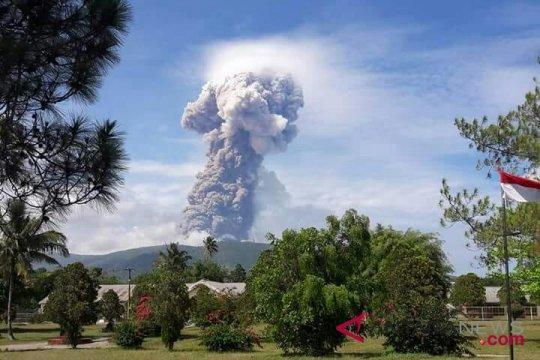 Tujuh pendaki telah dievakuasi dari Gunung Soputan