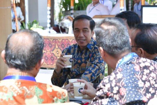 """Presiden Jokowi sempatkan """"ngopi"""" di sela padatnya pertemuan IMF-WB"""