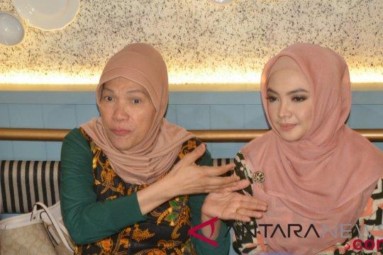 Kemarin, Ingrid Kansil terkait foto Ratna Sarumpaet hingga rencana Dorce adopsi korban Palu