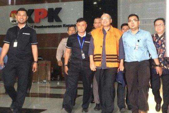 KPK tahan Bupati Malang