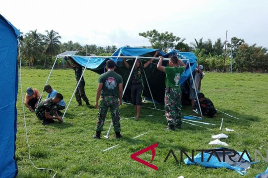 TNI dirikan 100 tenda hunian sementara di Donggala