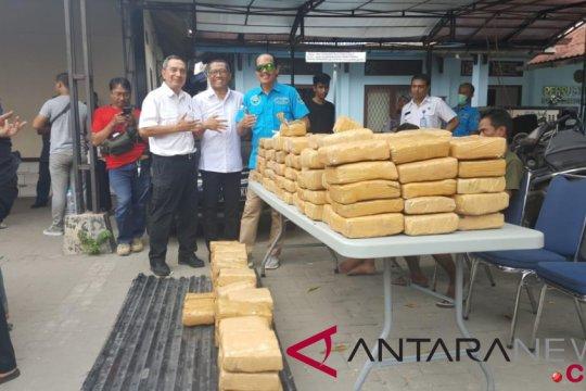 Polres Sukabumi tangkap pemuda pengedar ganja