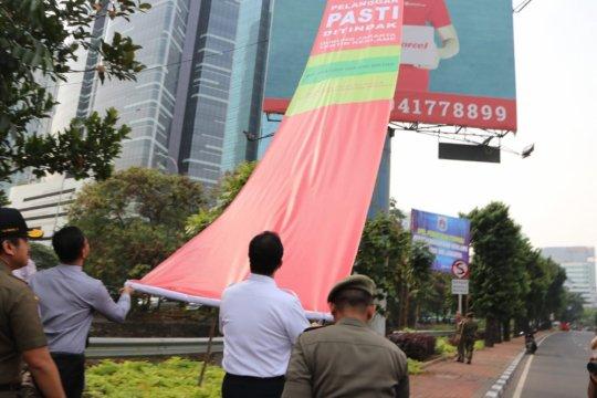 Pemprov DKI Jakarta laksanakan operasi penertiban reklame