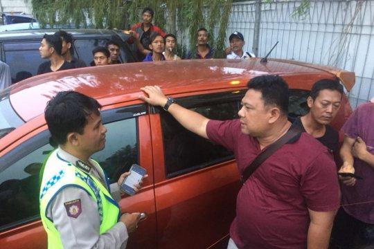 Balita ditemukan tewas dalam mobil di Jakarta Utara