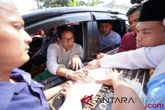 Mobil Sandiaga dicegat ratusan warga di Jombang
