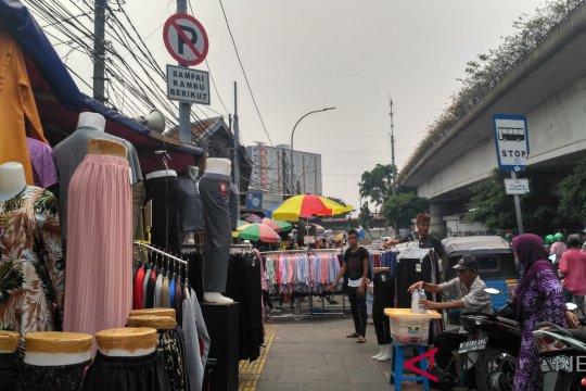 Pedagang keluhkan penjualan karcis kios Tanah Abang