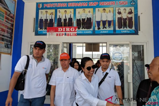 Menteri Rini: anak-anak Sulteng harus tetap sekolah