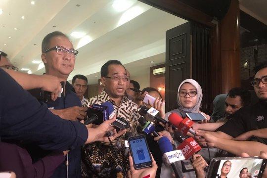 Menhub pimpin pemakaman Anthonius di TMP Makassar