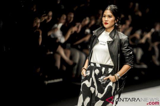 Dian Sastrowardoyo ucapkan selamat Hari Kartini