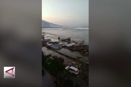 Penyebab tsunami longsoran didasar laut Teluk Palu