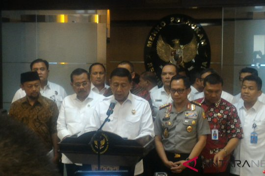 Wiranto imbau masyarakat tidak berdemonstrasi terkait pembakaran bendera