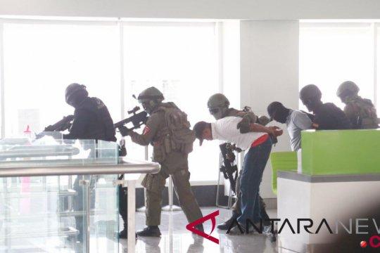 BNPT gelar latihan antisipasi teroris di bandara Semarang