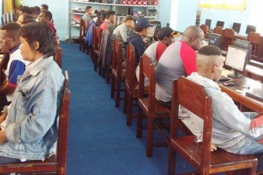 3.051 peserta program belajar paket B di Jambi ikuti ujian
