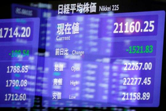 Saham Tokyo ditutup merosot, tertekan yen naik dan kekhawatiran laba