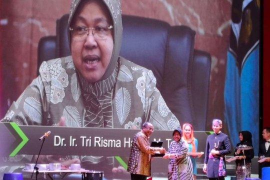 Pemkot Surabaya akui Risma keseleo kaki