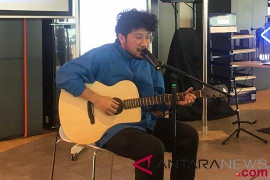 "Melalui proyek kolektif, Kunto Aji rilis video klip ""Rehat"""