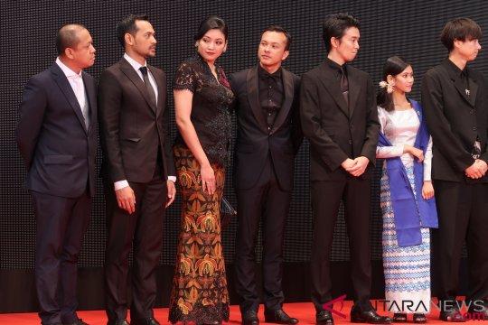 """Kemarin, gaya sineas Indonesia di festival film Tokyo hingga game """"Labirin"""" dari Tulus"""
