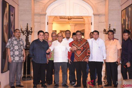 Aburizal sarankan Erick Thohir-Sandiaga Uno tetap bersahabat