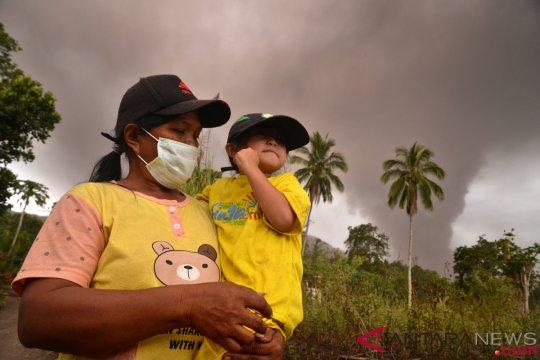Luncuran lava Gunung Soputan mencapai 2.500 meter