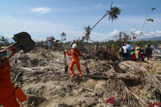 Tim SAR evakuasi dua lagi jasad korban gempa di Petobo