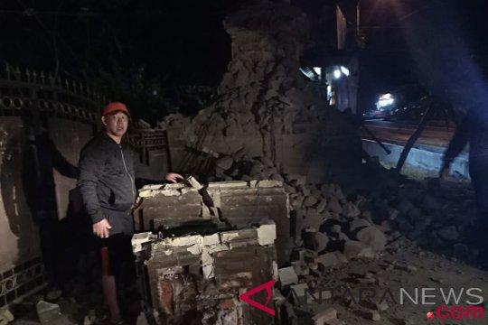 Ratusan rumah di Situbondo diterjang puting beliung