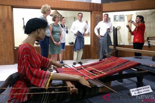 Wariskan budaya sejak dini, Museum Siwalima gelar lomba busana daerah