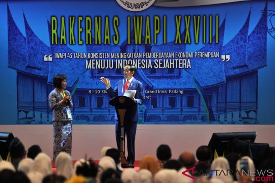 Presiden Buka Rakernas IWAPI