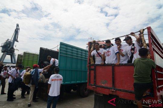 Kotabaru kirim lima truk bantuan ke Sulteng