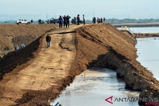Tanggul lumpur Lapindo mulai diperbaiki
