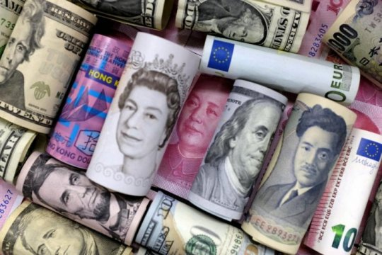 Yen dan franc  jatuh karena harapan sejumlah langkah stimulus global