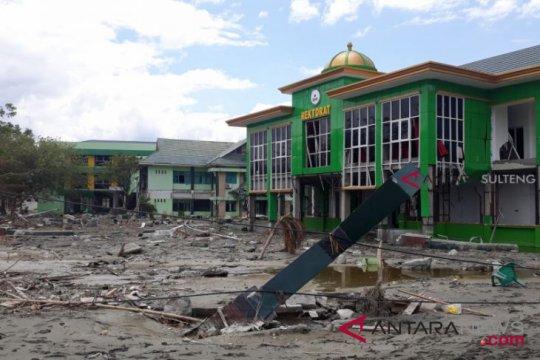 TNI bantu bersihkan IAIN dari lumpur pascatsunami