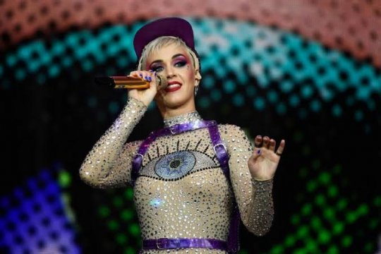 Katy Perry, penyanyi perempuan berbayaran tertinggi versi Forbes