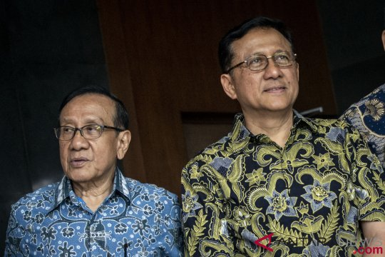 Akbar Tanjung Hadiri Sidang PK Irman Gusman