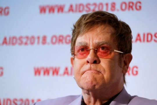 Elton John ikuti George Clooney boikot hotel Brunei