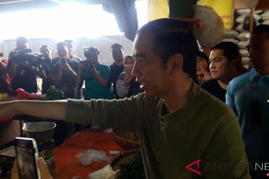 DI Bandung, Jokowi blusukan ke Pasar Cihargeulis