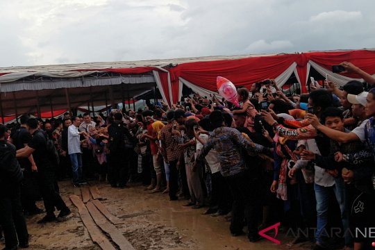 Presiden temui petani di persawahan Pringsewu