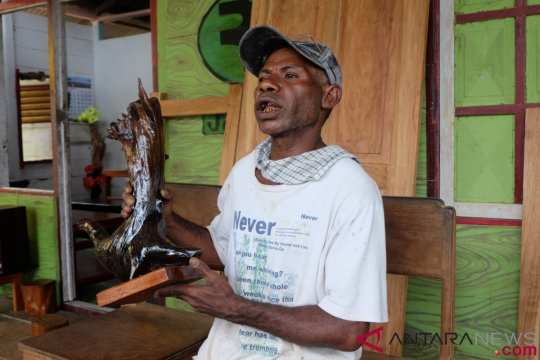 Mencetak mebel Papua, menjaga kelestarian hutan
