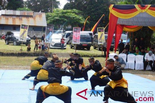 Silek Minangkabau jadi cara memperbaiki tingkah si bandel