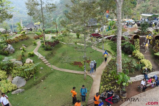 Belajar dari obyek wisata Watu Rumpuk
