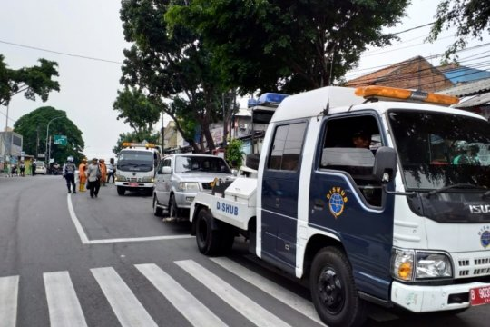 Sudinhub Jaksel tindak 54 kendaraan parkir liar