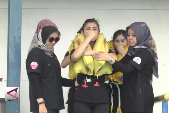 Lion Air latihan  darurat bagi flight attandance