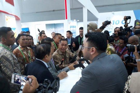 """Menhan kunjungi sejumlah stand di """"Indo Defence"""""""