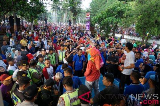 Sandiaga Uno senam bersama warga Lumajang
