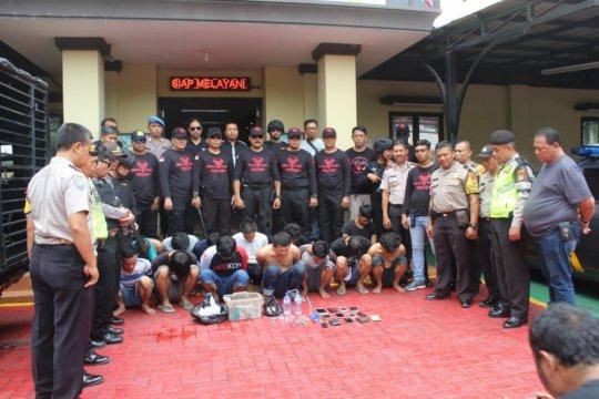 14 pemuda pesta narkoba di Tambora
