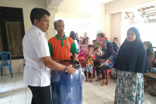Jakbar upayakan kurangi sampah yang diangkut ke TPST Bantar Gebang