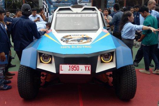 Diuji coba, mobil listrik Blits tiba di Palangka Raya