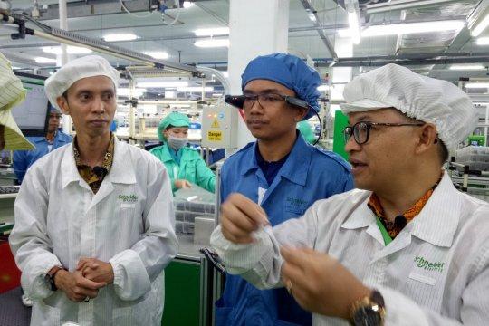 Industri manufaktur topang ekonomi Kepri